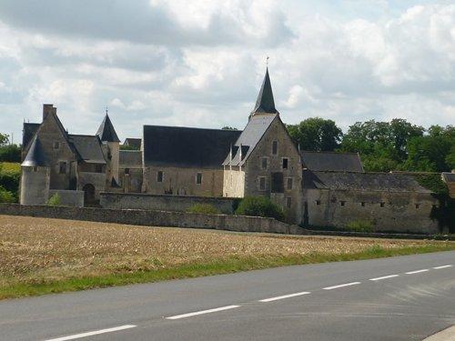 LE LOUROUX – Terrain à bâtir avec vue sur Chateau