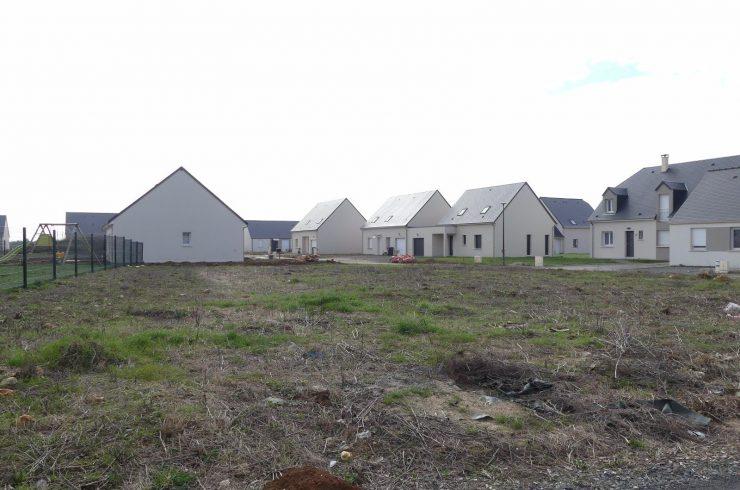 VENDUEsvres – Terrain viabilisé 821 m²