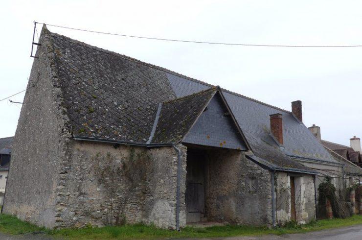 Sous compromisESVRES – Grange et maison à rénover
