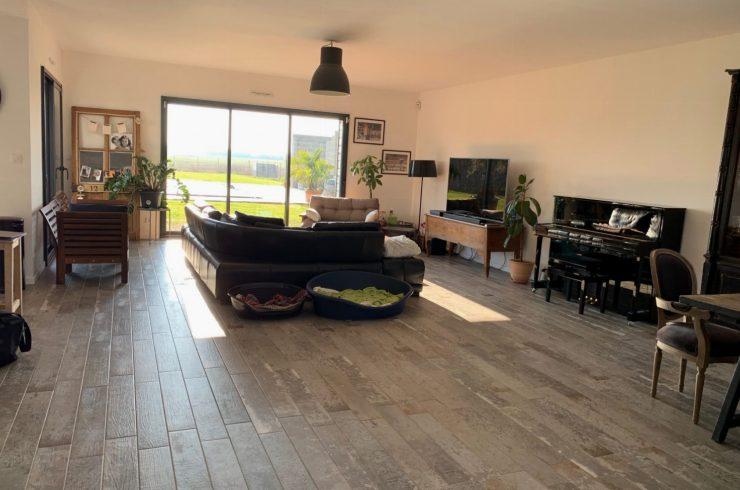 NOUVEAUESVRES – Maison contemporaine 210 m²