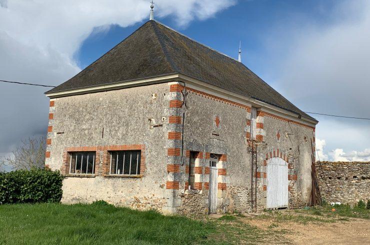 Proche VEIGNE – Grange à rénover