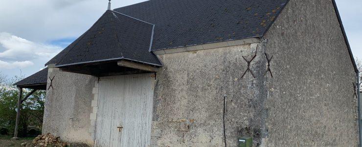 PROCHE VEIGNÉ – Magnifique grange à rénover