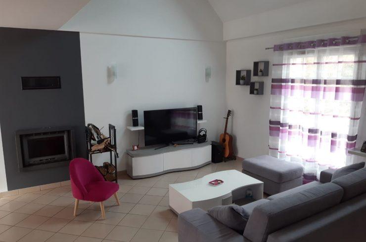 ESVRES – Maison T7 (150m²) en Hameau – Terrain  1000 m²